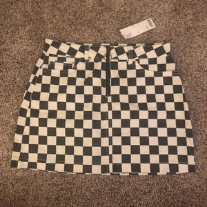 Urban outfitters BDG checkered skirt | size M